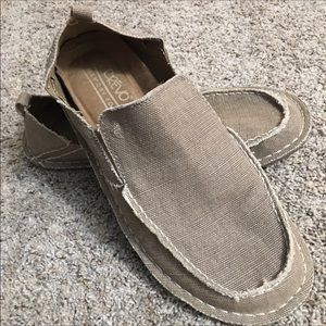 Crevo Shoes Size 9